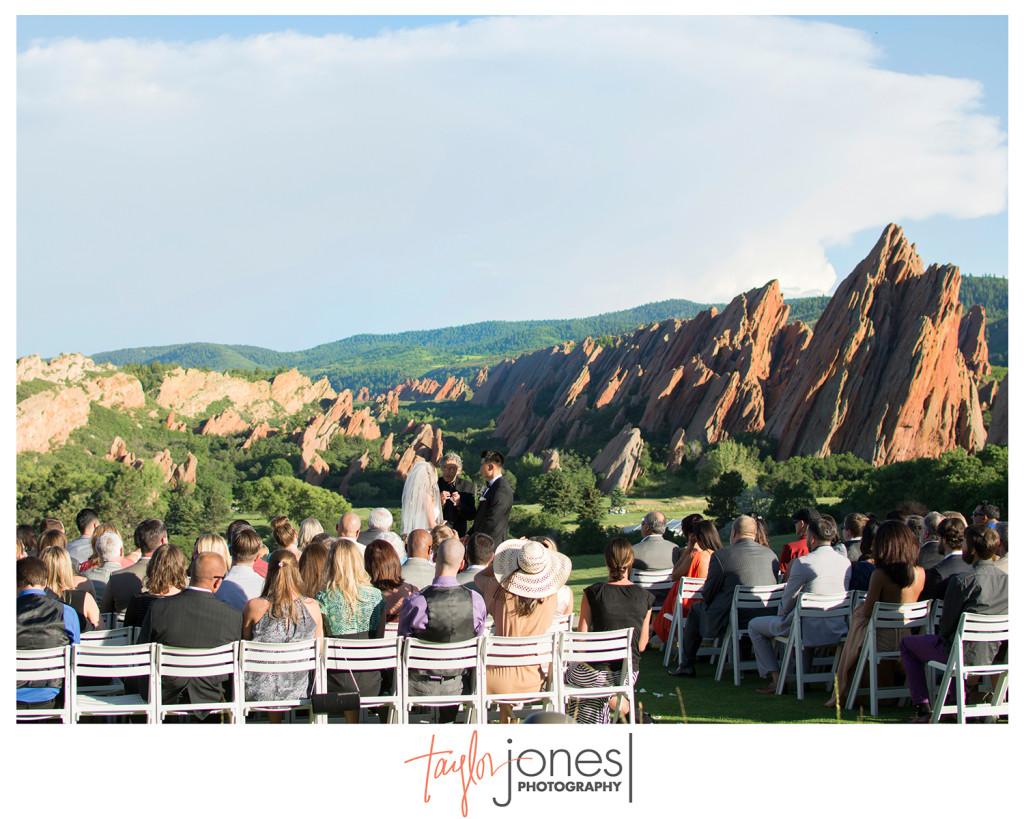 Sunset wedding at Arrowhead Golf Club, red rocks, wedding