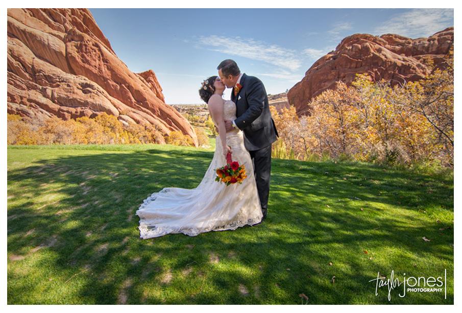 Arrowhead Golf Course wedding photographer, fall wedding with Katharine and Ed
