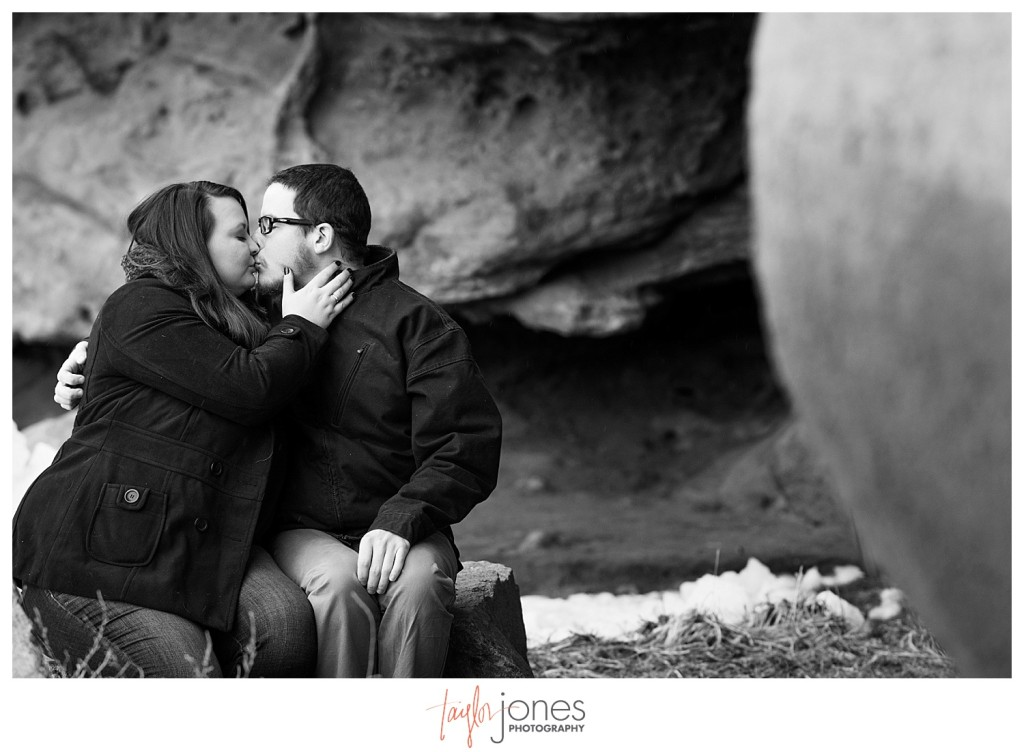 Couple at Red Rocks engagement shoot