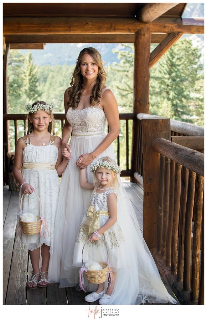 Black Canyon Inn Estes Park wedding bride with flower girls