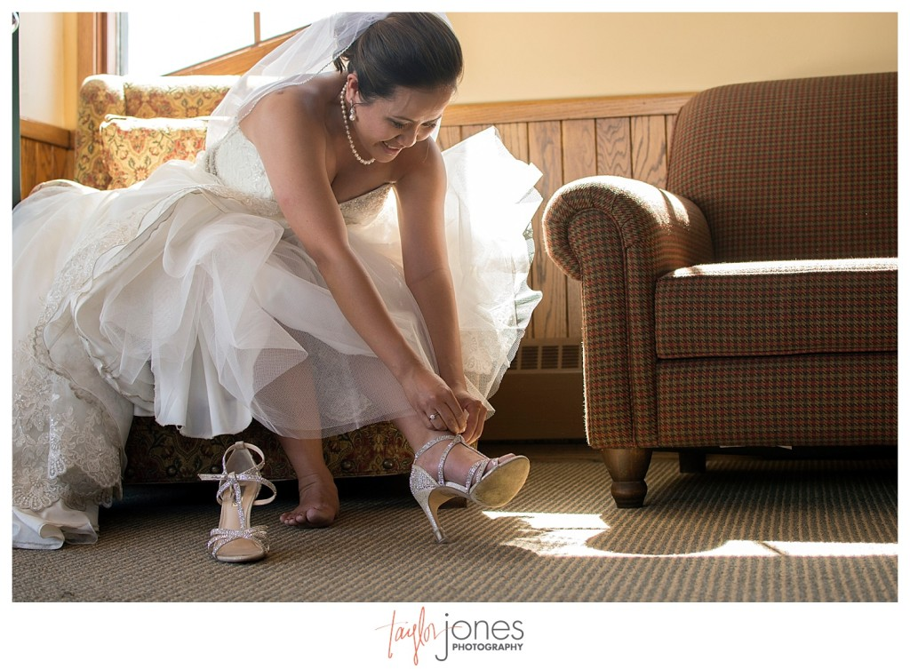 The Club at Crested Butte summer wedding bride getting ready