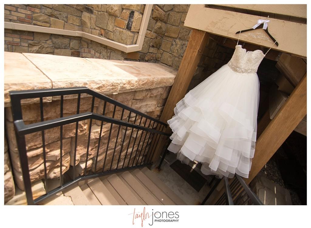 Della Terra Estes Park Wedding dress