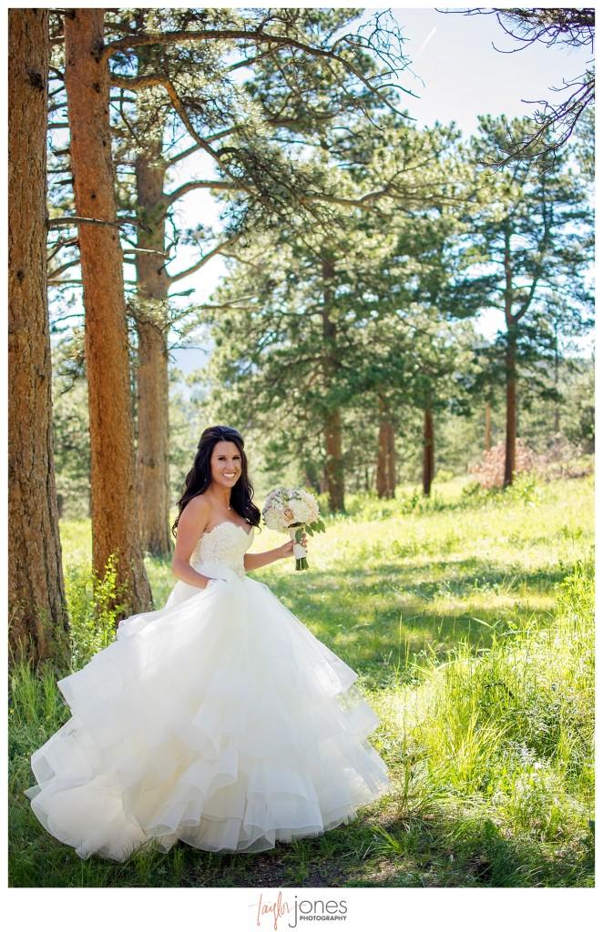 Della Terra Estes Park Wedding bridesmaids portraits