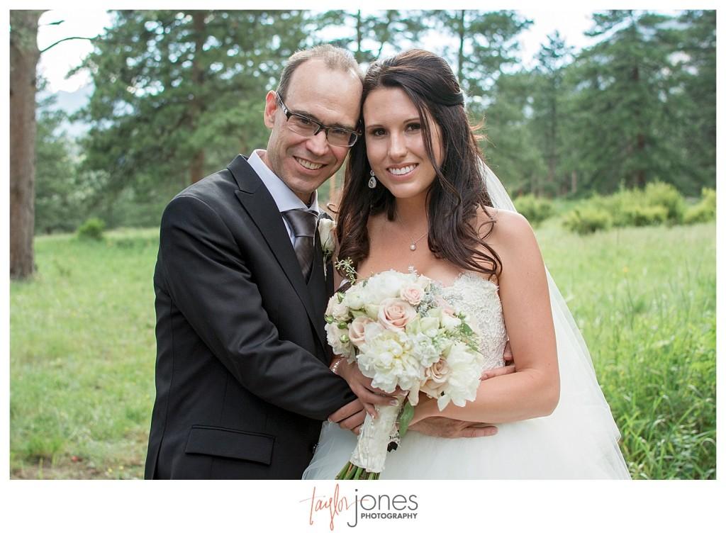 Della Terra Estes Park wedding family photos