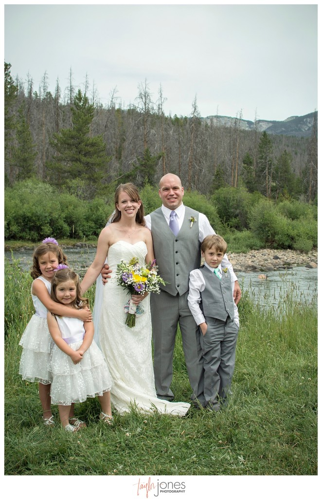 Grand Lake Colorado wedding at the Double A Barn family portraits