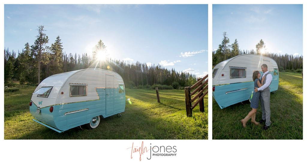 Grand Lake Colorado wedding at the Double A Barn reception photo booth