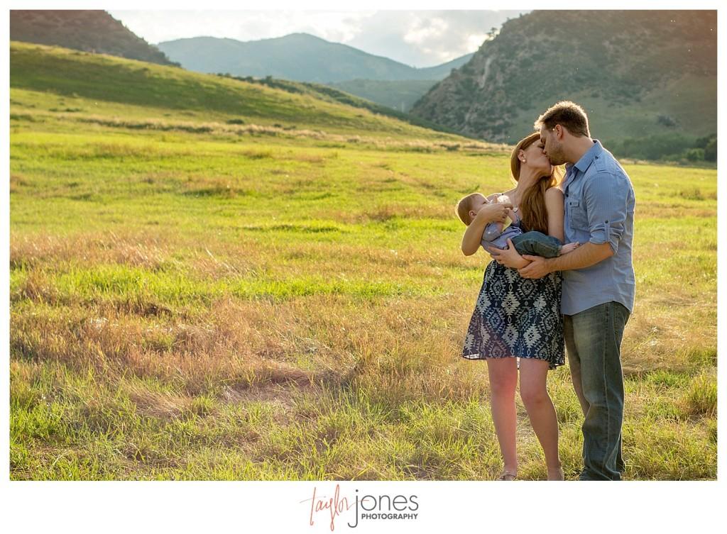 Denver family portraits at Hildebrand Ranch Park in Littleton Colorado