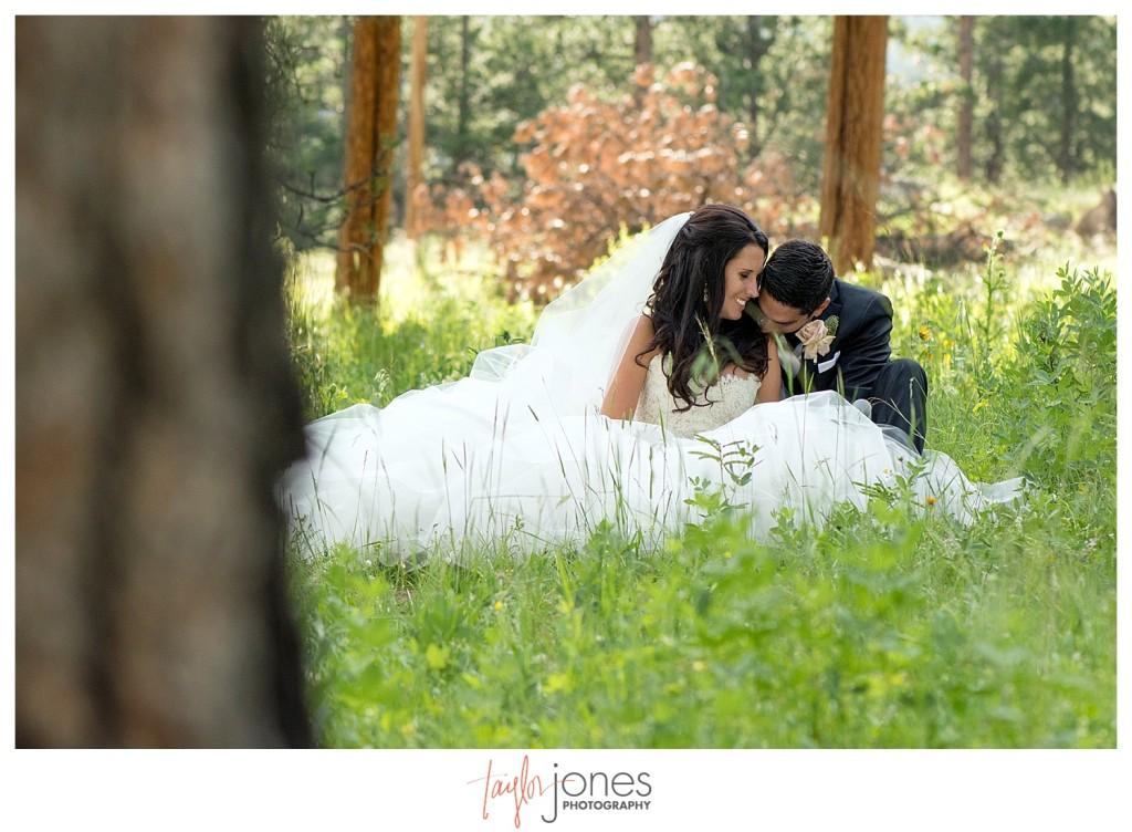 Della Terra Estes Park bride and groom photos