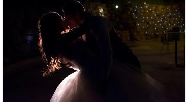 Della Terra Estes Park wedding reception off camera flash