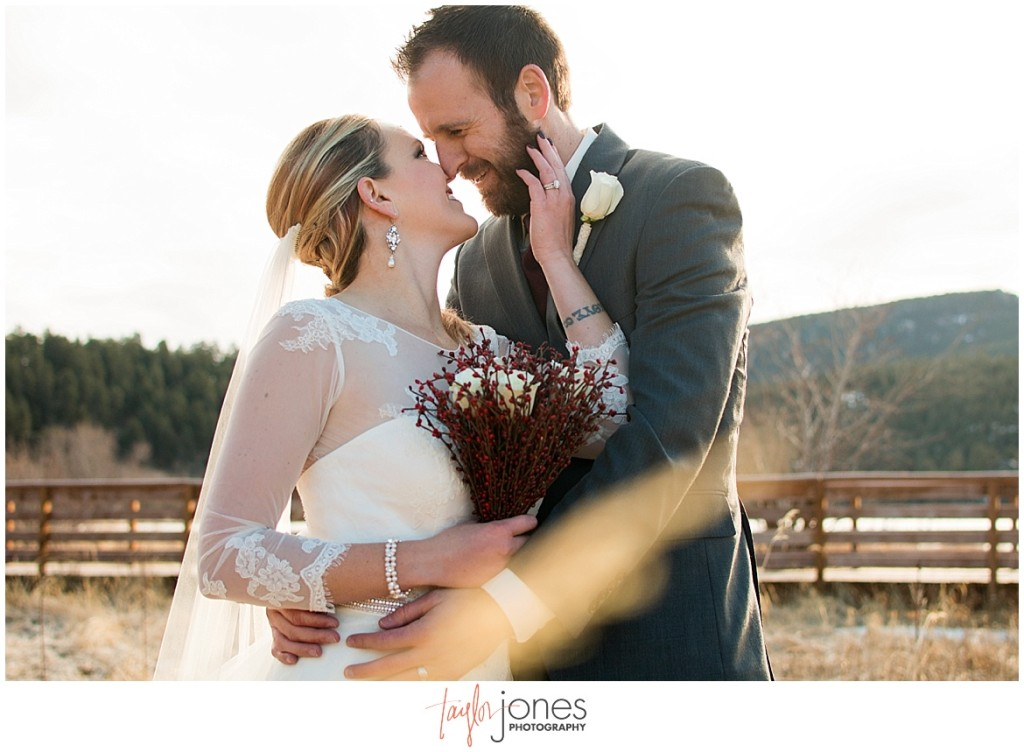 Colorado mountain wedding photographer in evergreen and conifer