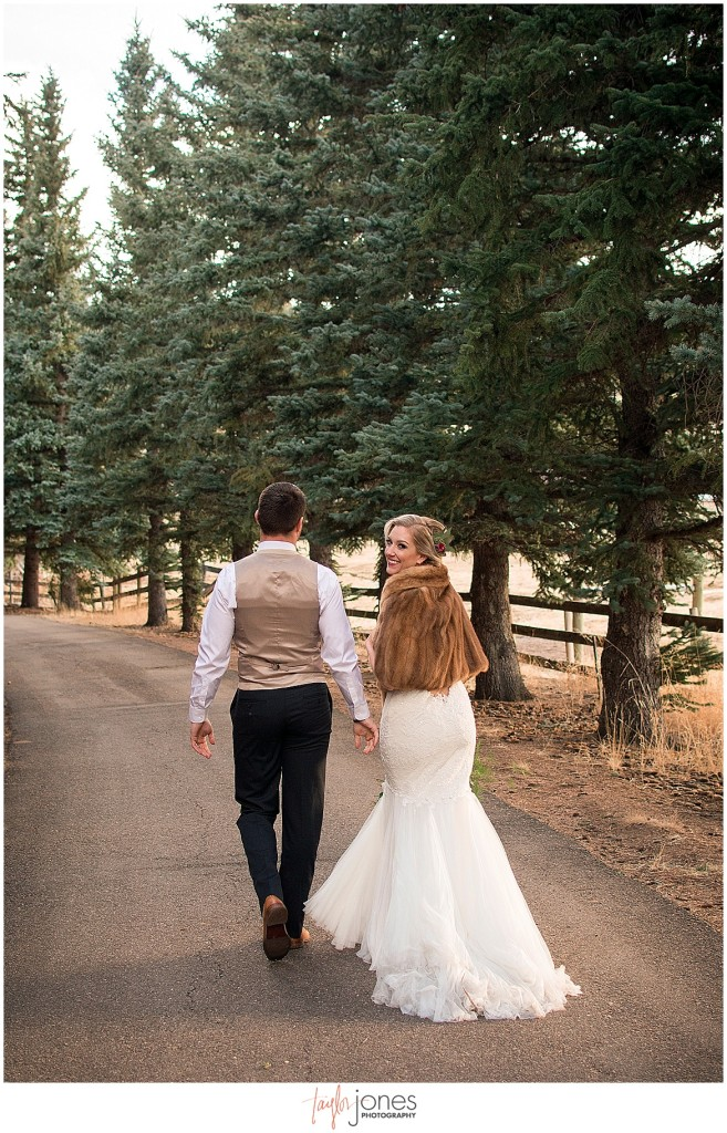 Deer Creek Valley Ranch winter wedding mountain photographer