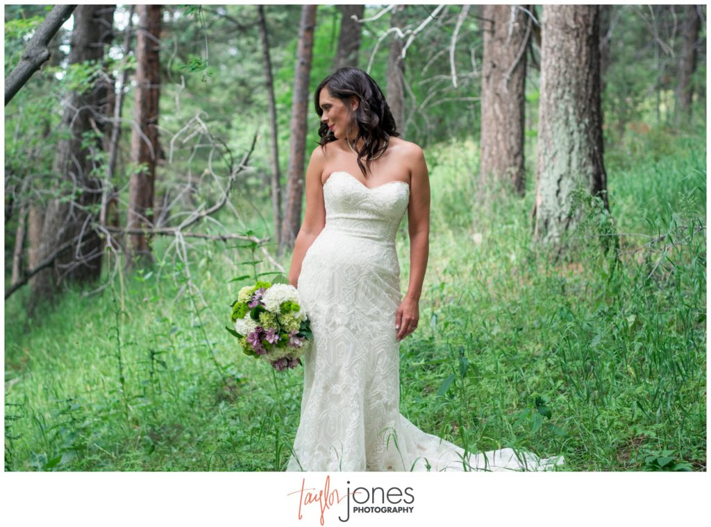 Colorado wedding photographer at Pines at Genesee wedding