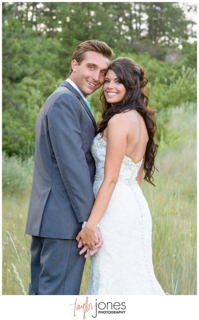 Colorado wedding photographer at Cielo at Castle Pines