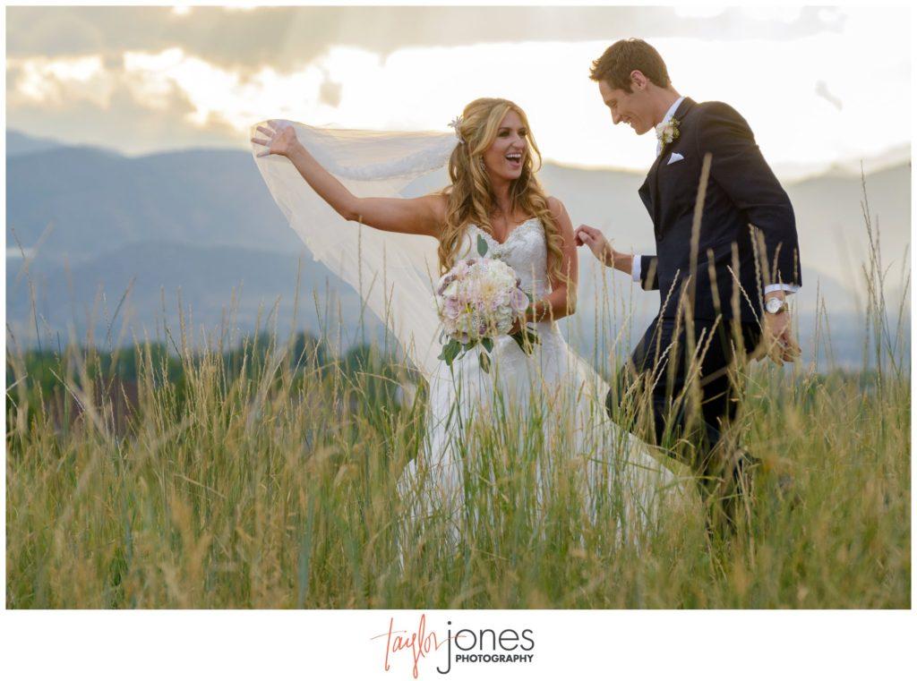 Colorado wedding photographer at Highlands Ranch Mansion wedding