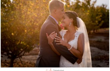 Portland Oregon wedding photographer at Postlewaits Country Weddings