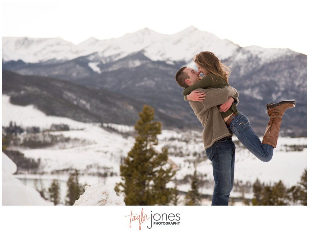 Wedding and engagement photographer in Breckenridge Colorado Sapphire Point