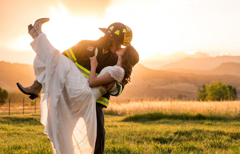 Sunset wedding photographer in Longmont Colorado