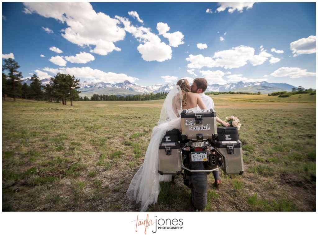 Ouray Colorado wedding photographer at Top of the pines