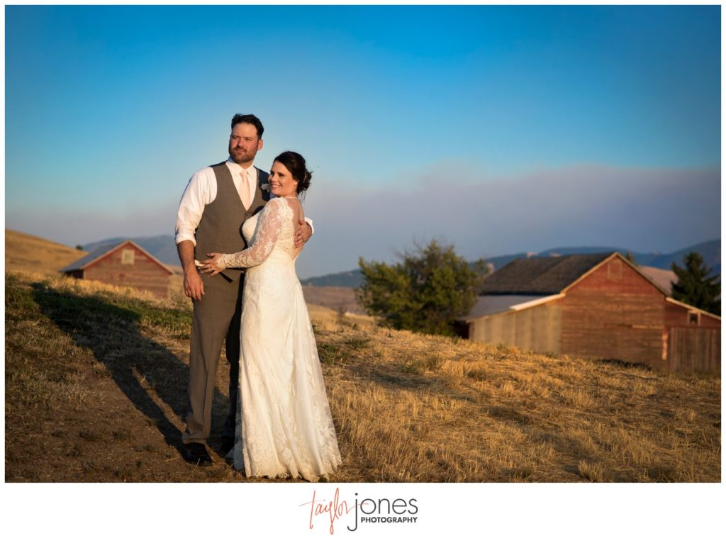 Missoula Montana wedding photographer at the Missoula Winery sunset bride and groom