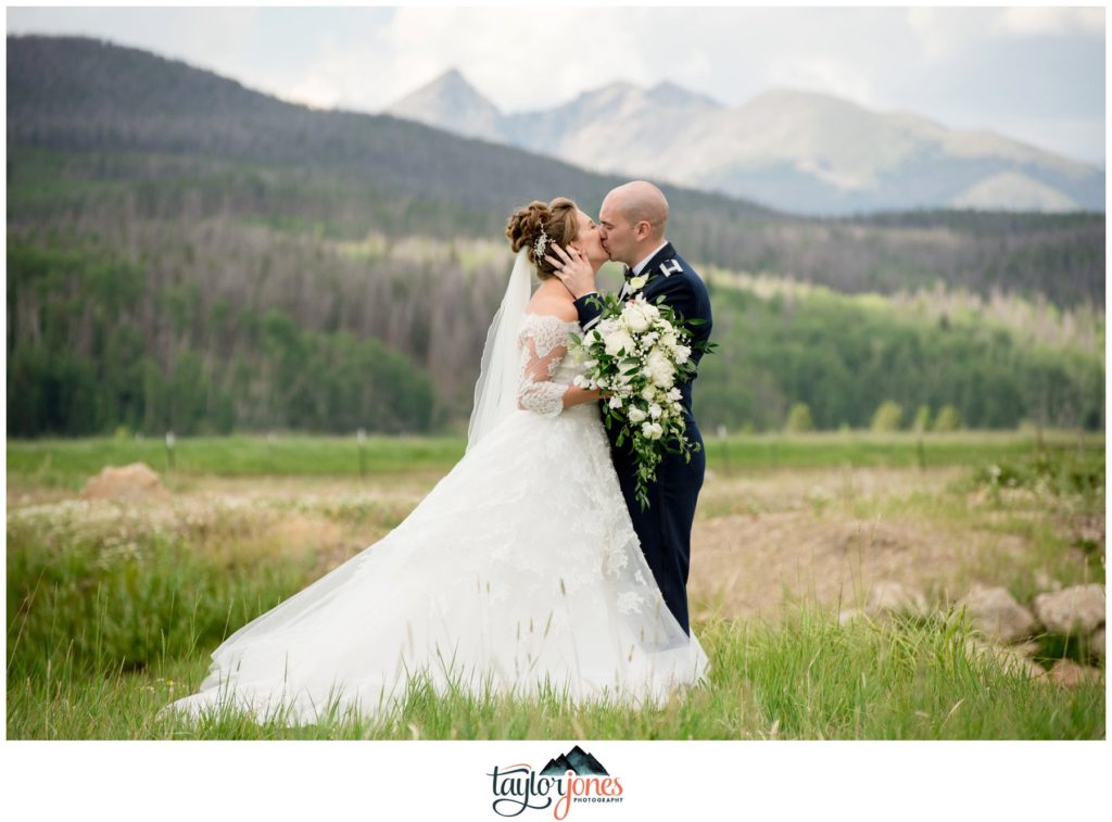 Winding River Ranch Wedding of Mike and Melissa wedding couple portraits