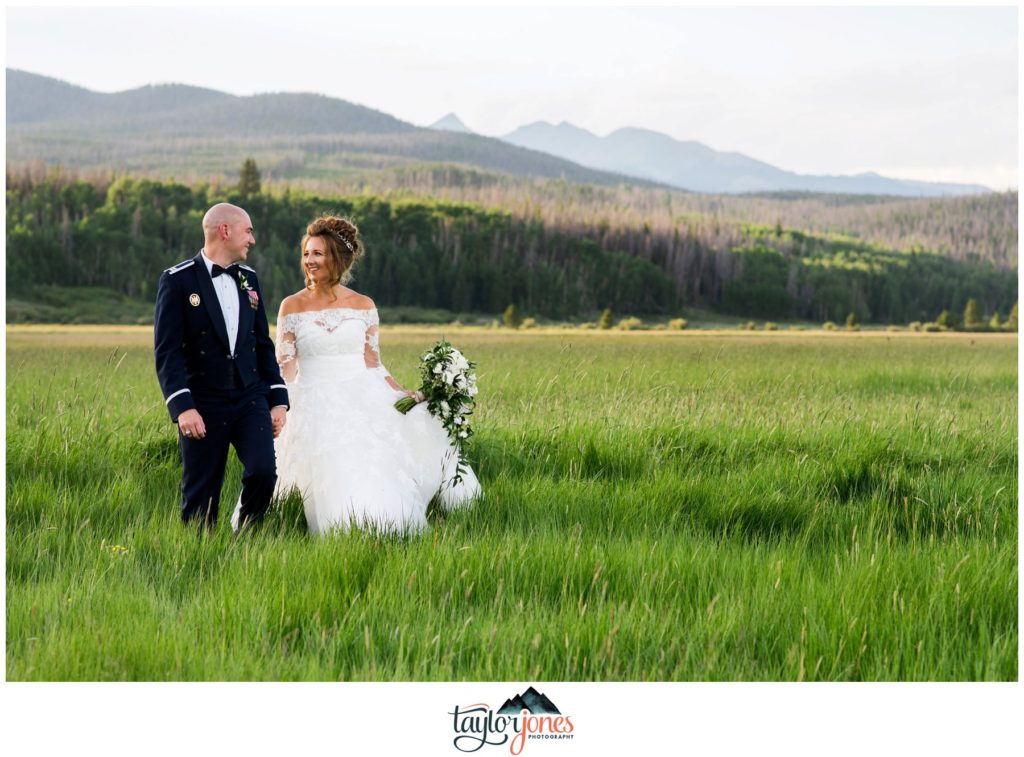 Winding River Ranch Wedding of Mike and Melissa wedding bride and groom couple portraits