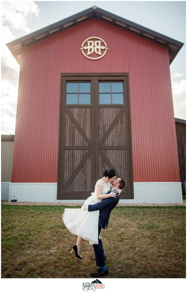 Farmhouse at Breckenridge Brewery Wedding bride and groom portraits